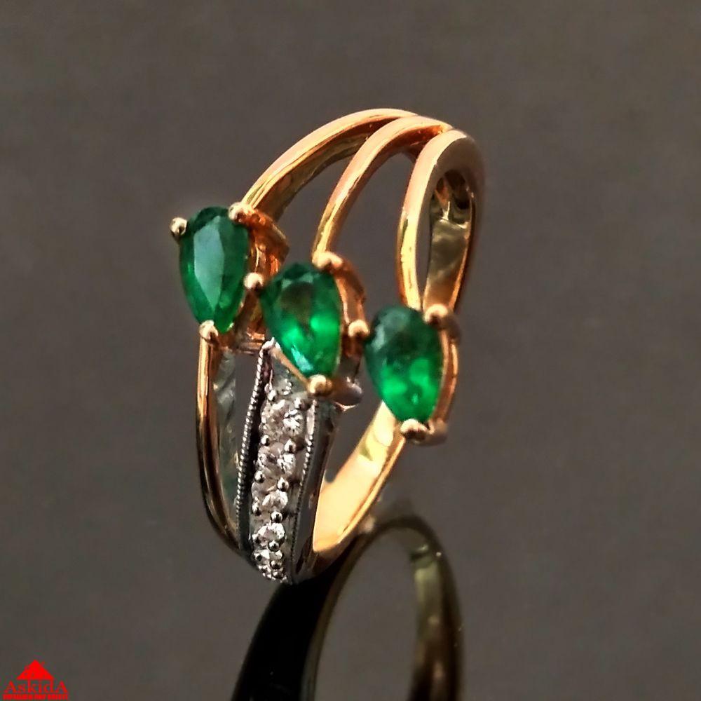 Золотое кольцо с изумрудами и бриллиантами - 800000060 - АскидА ... f1344ae967b